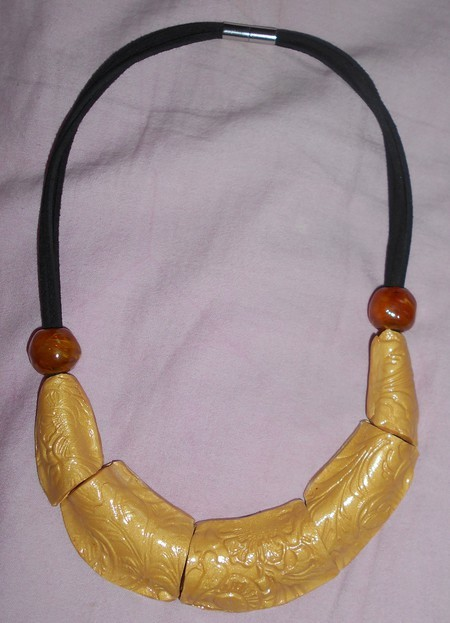 urgent collier dor 233 lune en pate polym 233 re neuf bourges