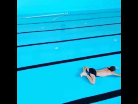 Nager dans une piscine sans eau infoptimum - Nager dans une piscine ...