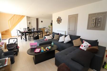 VORNAY, vend maison d\'environ 120 m2 avec garage et jardin ...